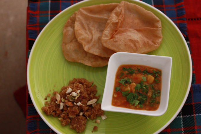 Poori Bhaji/ Bread with Potato gravy
