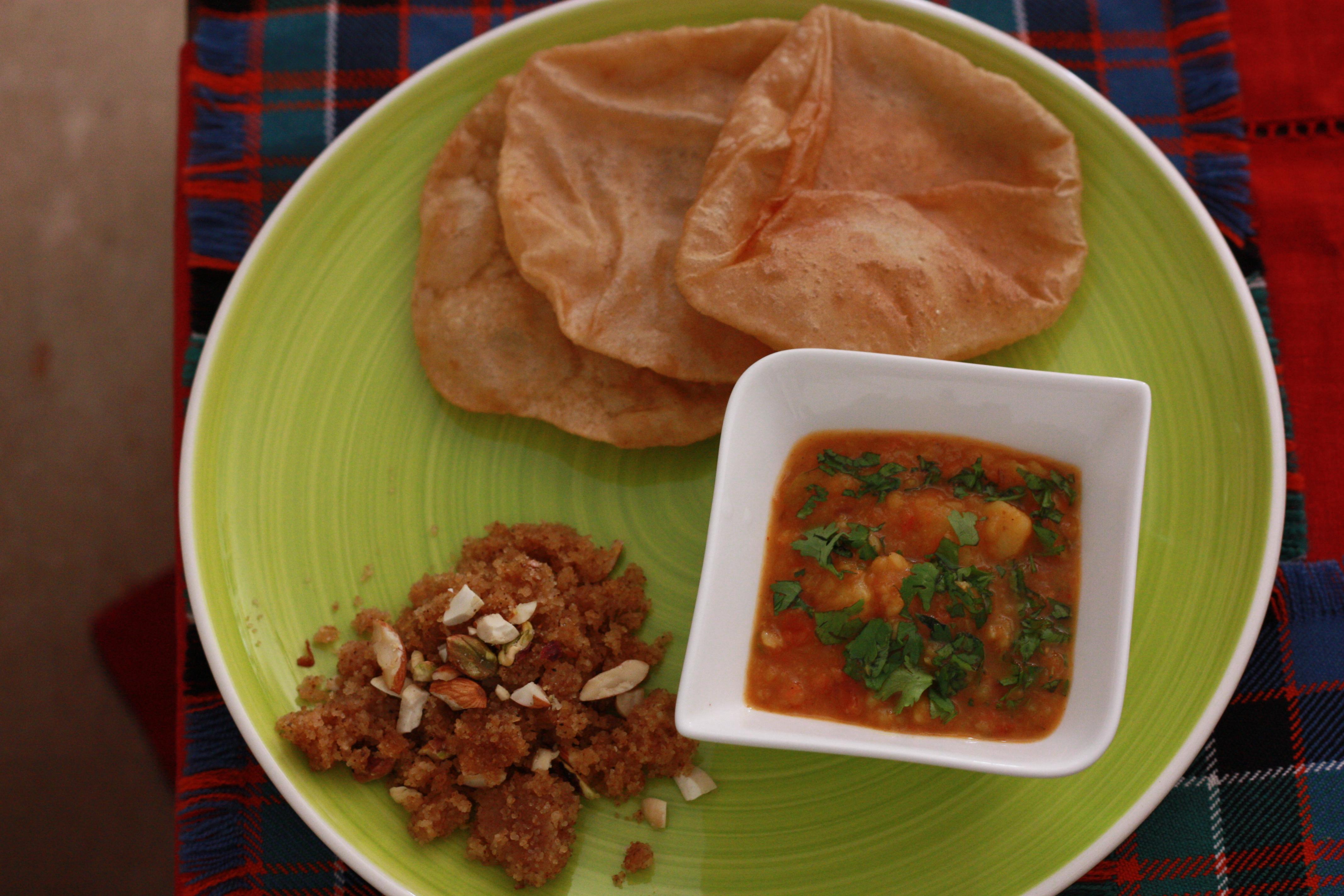 Poori Bhaji/ Bread with Potato gravy