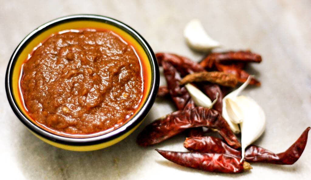 red chilli and garlic chutney, red chutney, lahsun chutney