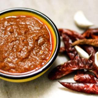 Chilli-Garlic Chutney (Lahsun chutney)