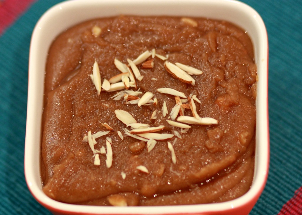 Aate ka halwa, halva, Indian dessert, wheat flour pudding