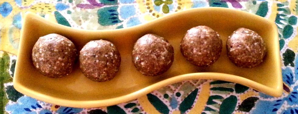 Dry Fruit Laddooos in 5 mins!