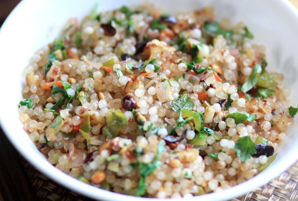 sabudana khichdi, sago seeds khichdi, tapioca sago pearls recipe