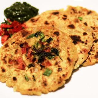 gluten free corn meal flat bread with tomatoes, onions and spices, pyaaz tamatar ka tikkad