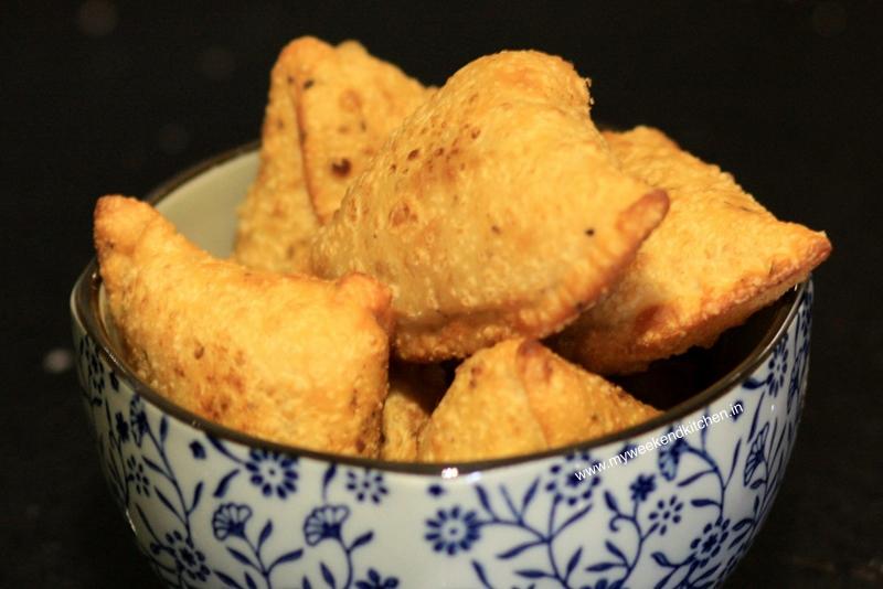 Time for some hot homemade Samosas!