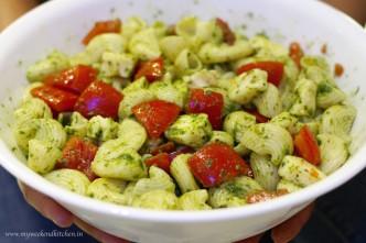 cold caprese pasta salad, tomato basil and mozzarella salad