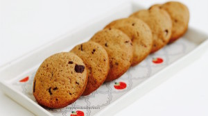 honey and wholewheat chocolate chip cookies recipe