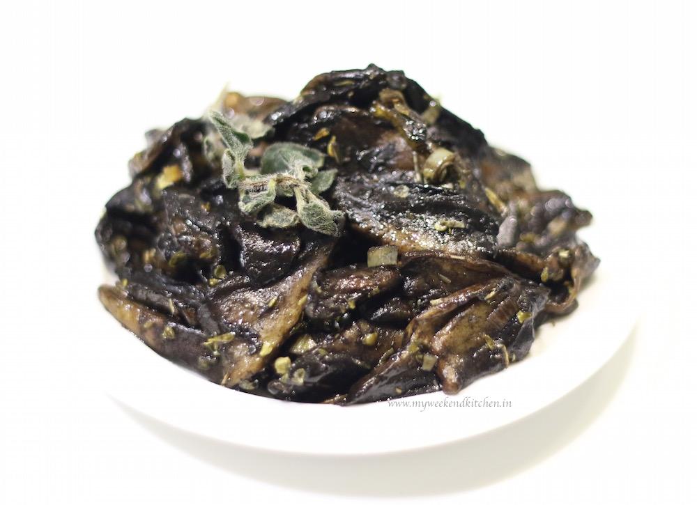 Mushroom saute, mushroom topping for crostini, mushroom sabzi
