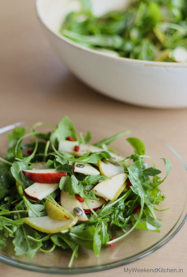 Simple arugula salad with pear and apple, simple lemony salad dressing