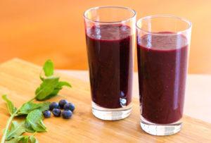 mixed berry smoothie, fruit smoothie, strawberry smoothie