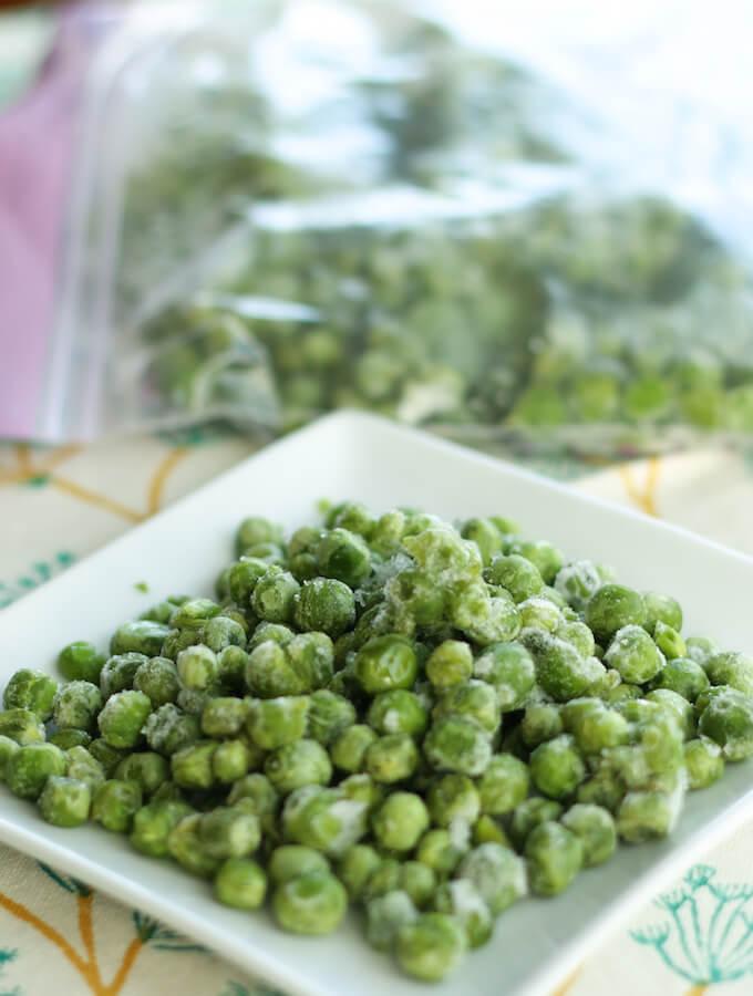 frozen peas - a simple recipeto preserve fresh green peas in season
