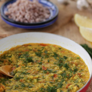 lentil curry with dill, moong dal suva bhaji