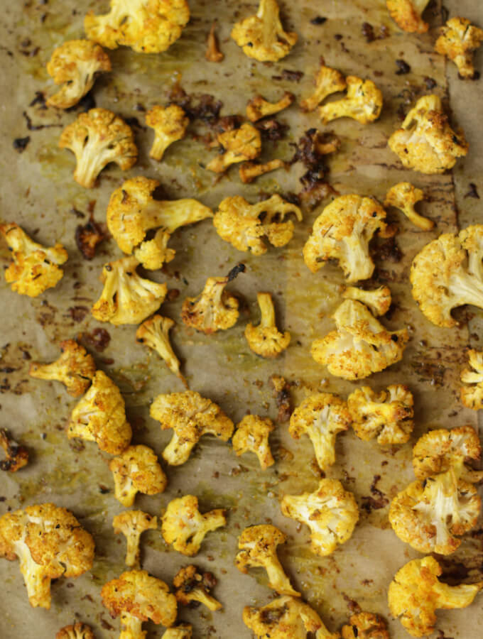 healthy cauliflower recipes, curry roasted cauliflower