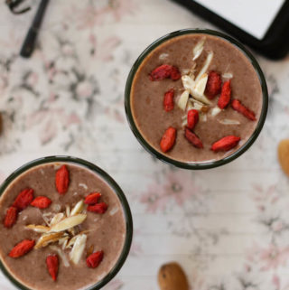 chocolate oatmeal and banana smoothie, fruit smoothie