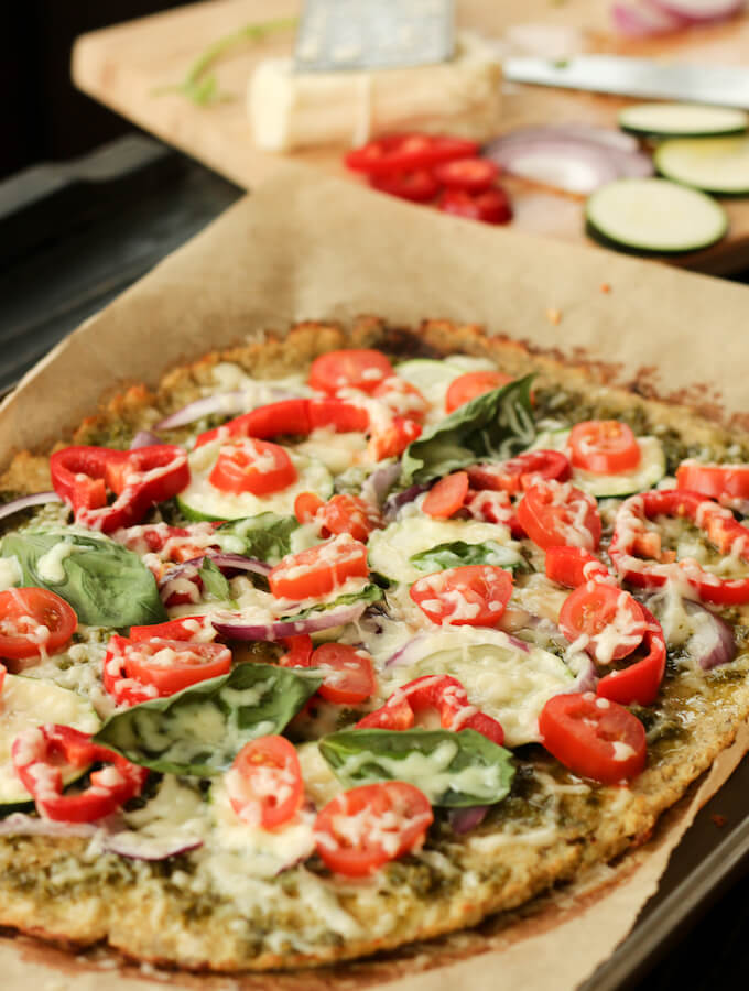 healthy cauliflower pizza crust recipe, gluten free cauliflower pizza base