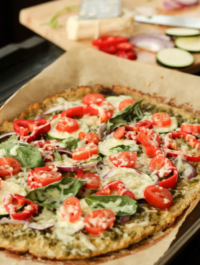 healthy cauliflower pizza crust recipe, gluten free cauliflower pizza base