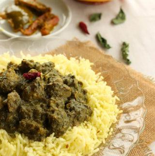 Soya chunks spinach curry