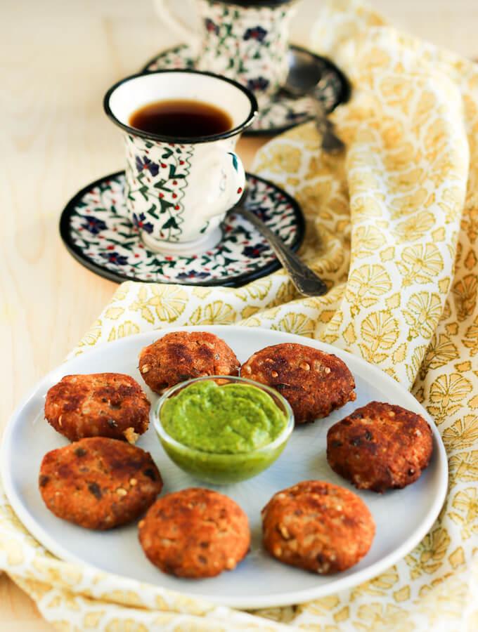 sabudana vada recipe for Navratri fast, gluten free tapioca pearl fritters