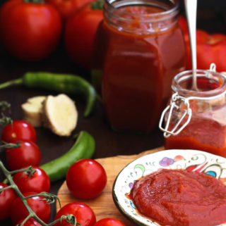Easy homemade tomato ketchup with fresh tomatoes