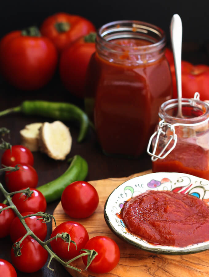 easy Indian homemade tomato ketchup recipe with fresh tomatoes and no preservatives
