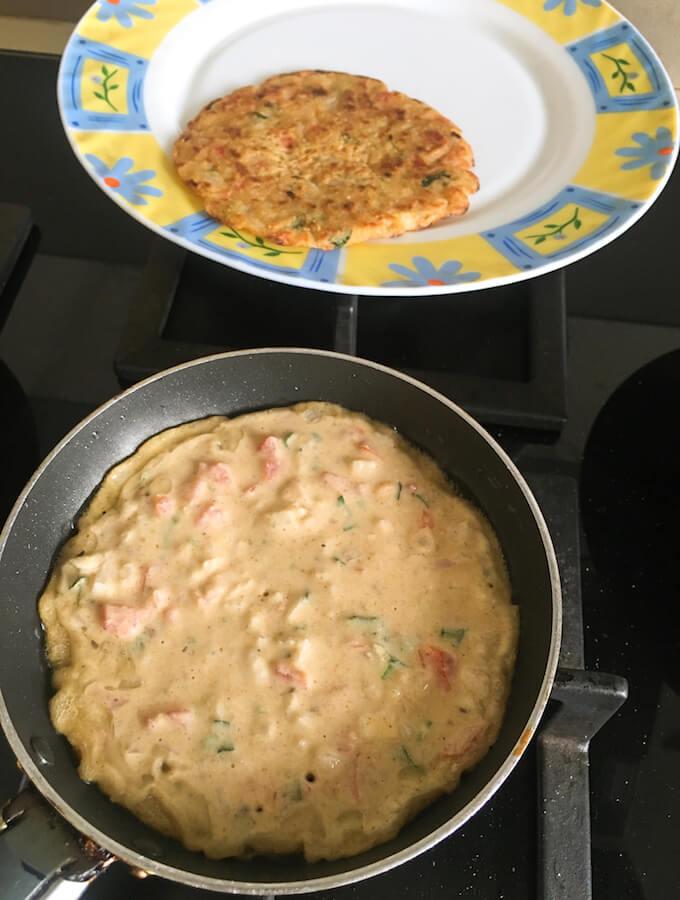 how to make jowar uttapam, sorghum flour breakfast recipe