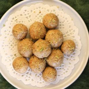 jaggery and penut energy ball, navratri peanut laddu