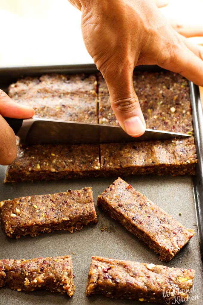 how to make date and nut bars at home
