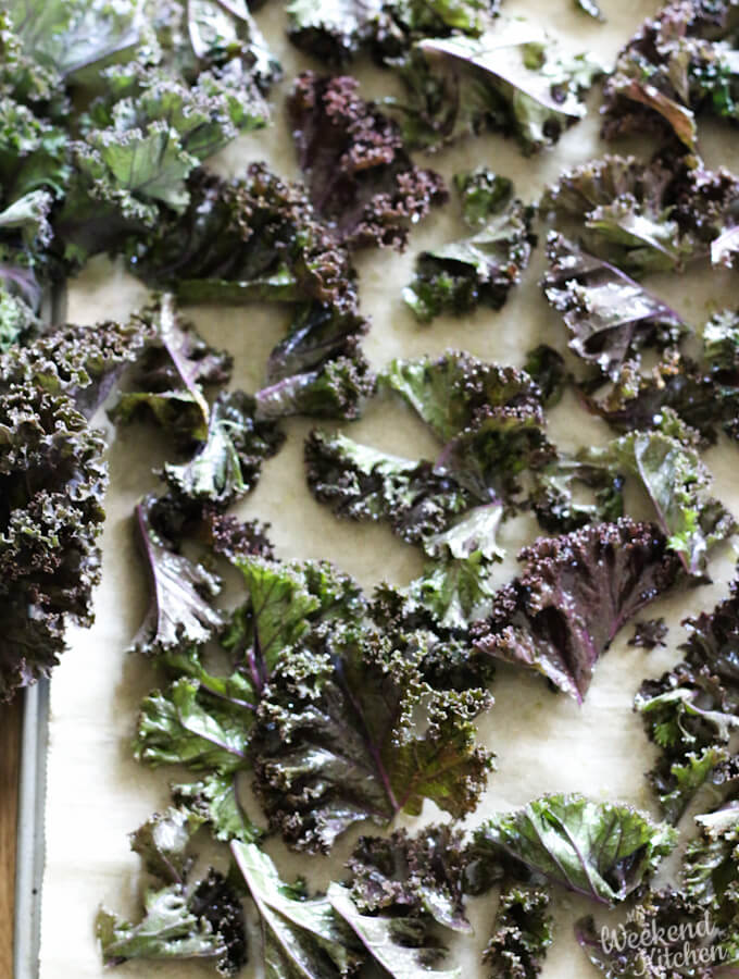 Kale chips with curly kale