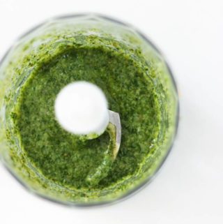 Fresh Basil Pesto (vegan)