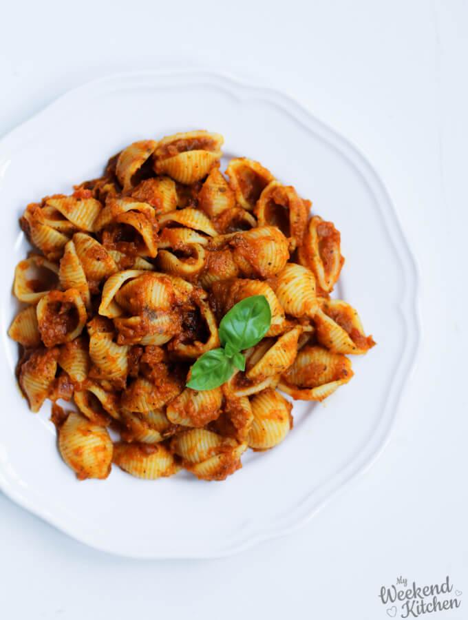 creamy vegan pasta sauce with pumpkin