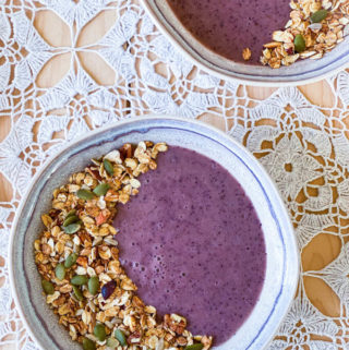 blueberry banana smoothie bowl vegan and gluten-free