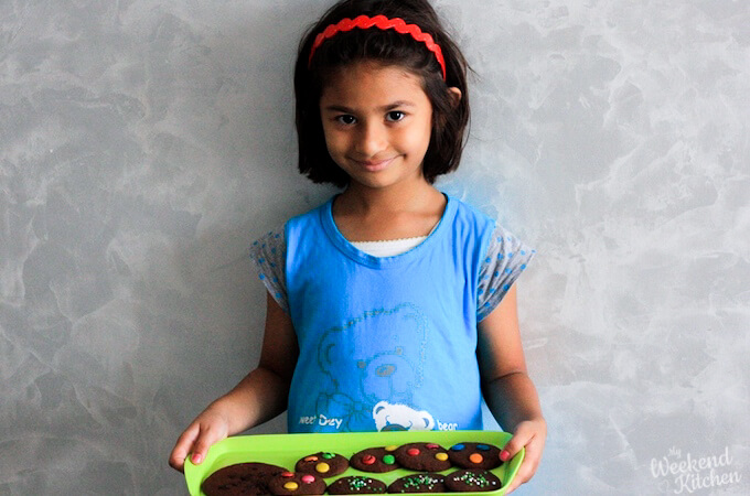 How can kids help in the kitchen, list of activities to involve kids in kitchen by age