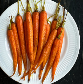 roasted carrots in oven, vegan roasted carrots side dish