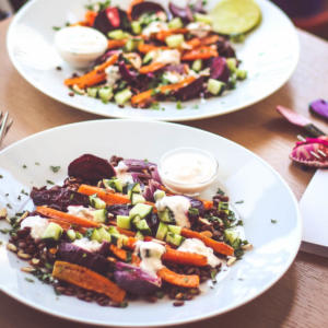 lentil salad with roasted vegetables and yogurt sauce
